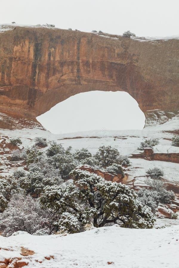 La vo?te de Wilson sc?nique Moab Utah en hiver image libre de droits