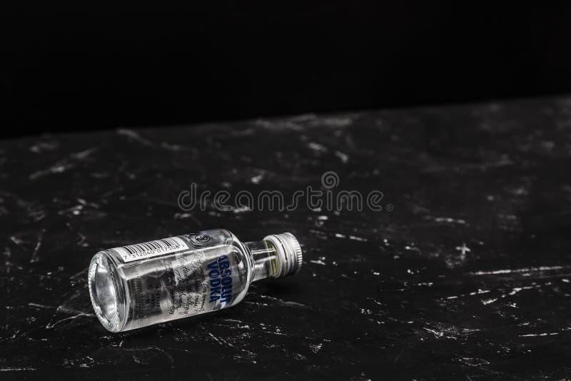 La vodka d'Absolut est une marque de vodka suédoise, possédée par le groupe de Pernod Ricard image libre de droits