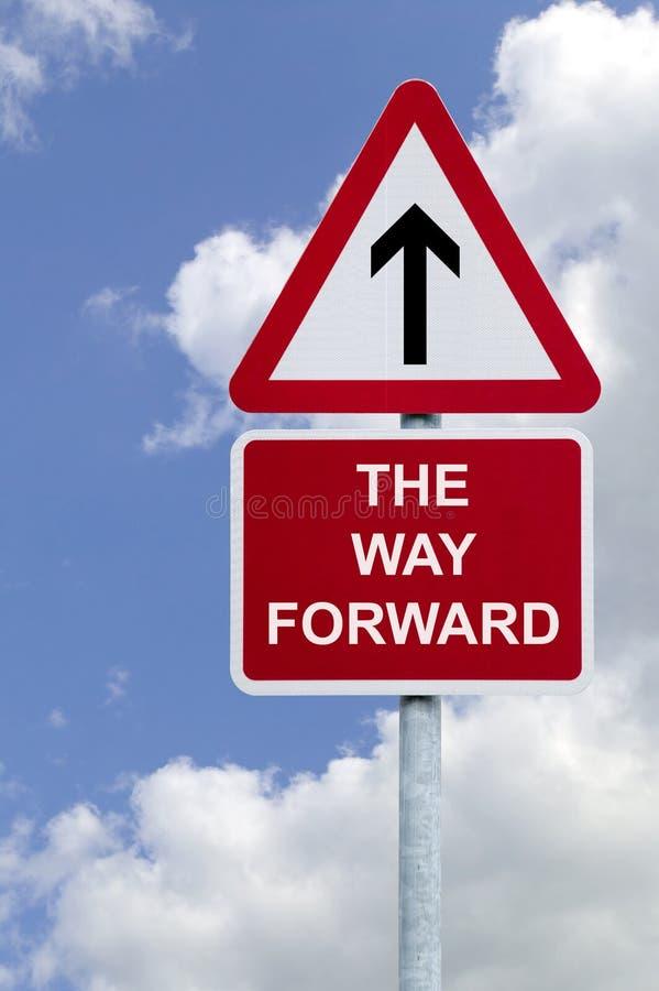 La voie avant signent dedans le ciel photo libre de droits
