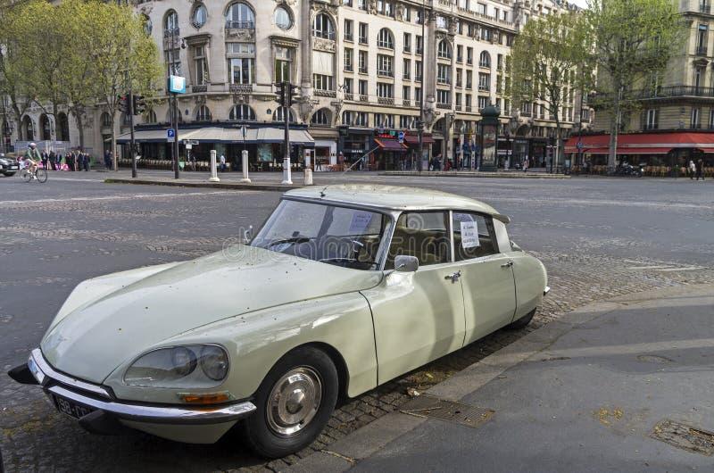 La voiture légendaire Citroà «n DS images libres de droits