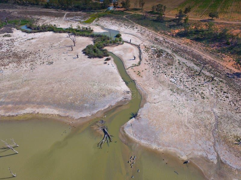 La vue aérienne de la sécheresse a affecté la rivière Murray de marécages image libre de droits