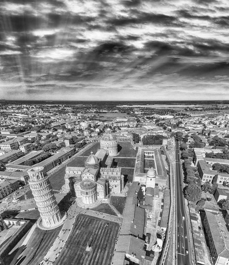 La vue aérienne noire et blanche des miracles ajustent - Pise, Toscane, photo libre de droits