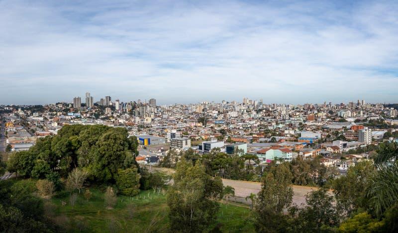 La vue aérienne panoramique de Caxias font la ville de Sul - Caxias font Sul, Rio Grande do Sul, Brésil photo stock