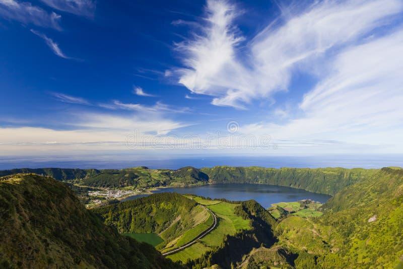 La vue de Miradouro DA Boca font l'enfer, Açores, Portugal photos stock