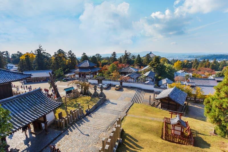 La vue de Nigatsu-font Hall de complexe de Todi-JI à Nara image stock