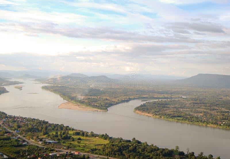 La vue du Mekong qui sépare la frontière entre la Thaïlande et le Laos image libre de droits