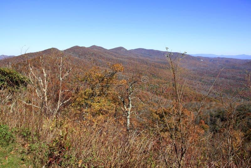 La vue du moulin de broyage donnent sur en Caroline du Nord photo stock