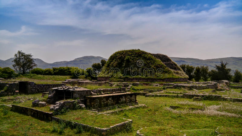 La vue du stupa de Dharmarajika dans Taxila ruine le Pakistan photo stock