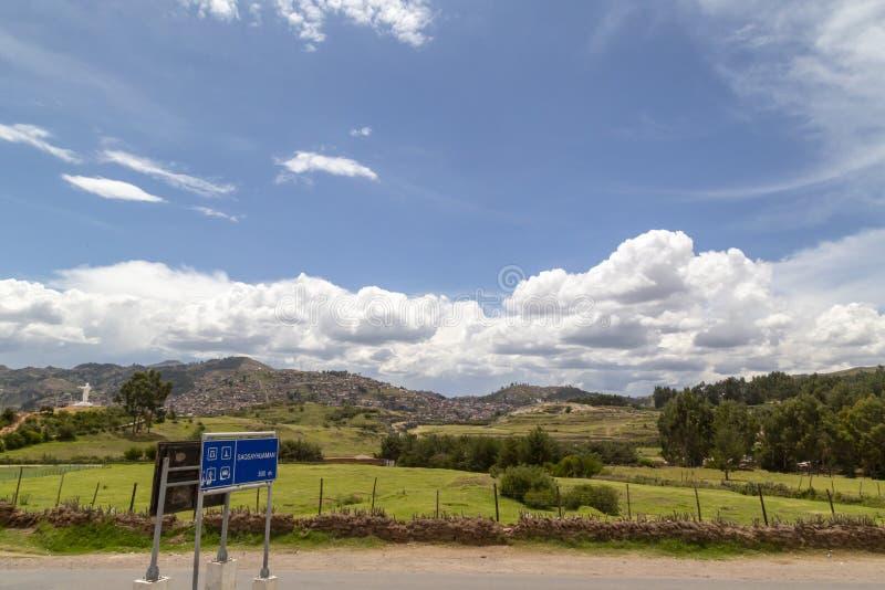 la vue panoramique, Sacsayhuman est des ruines d'un Inca, Cusco, Pérou photo stock