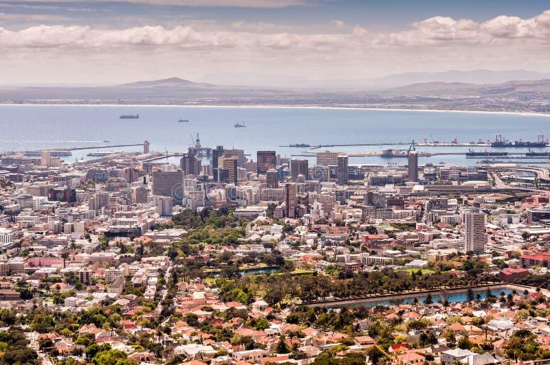 La vue scénique de la baie de Tableau, le port et la ville roulent, Cape Town photographie stock