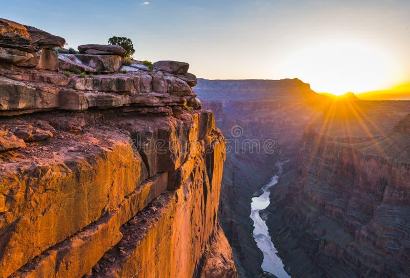 La vue scénique de Toroweap donnent sur au lever de soleil dans la jante du nord, grande image stock