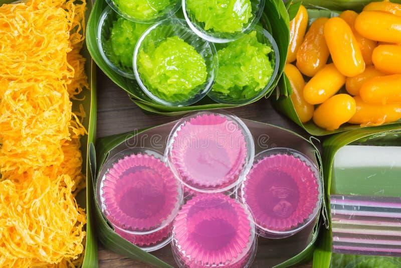 La vue supérieure des desserts thaïlandais incluent photographie stock