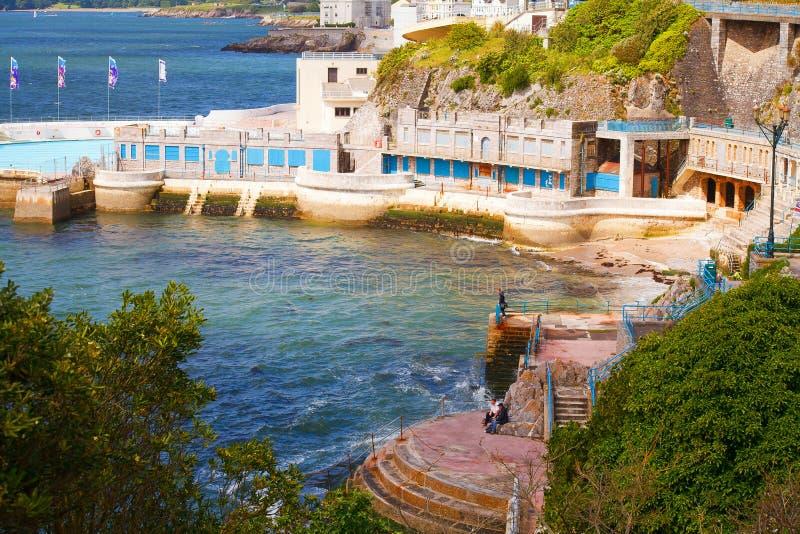 La zappa di Plymouth, citata localmente come la zappa, è un grande spazio pubblico aperto orientato a Sud nella città costiera in fotografia stock