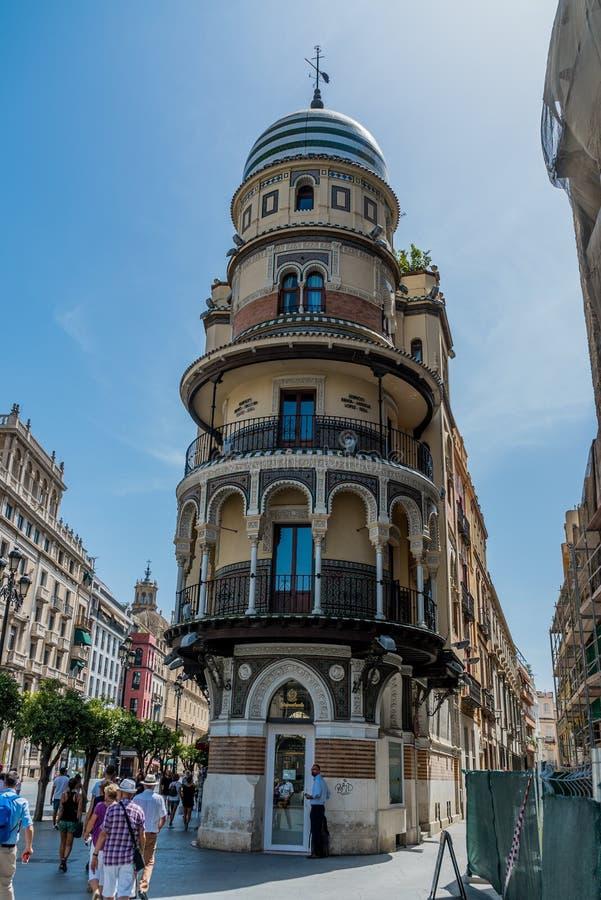 LaAldriatica byggnad på Seville Spanien royaltyfria bilder