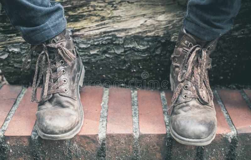 Laarzen en contrast van hout worden gemaakt dat stock foto's