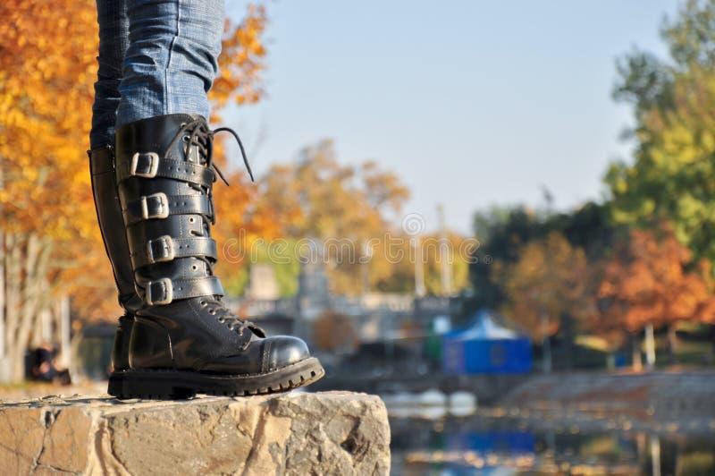 Laarzen op de rivier royalty-vrije stock foto's