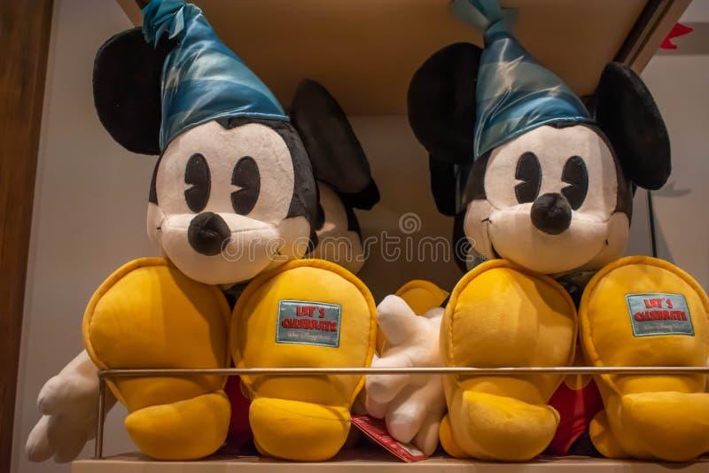 Laat Mickey Plushies in Disney-de Lentes bij het Uitzicht van Meerbuena vieren royalty-vrije stock afbeelding