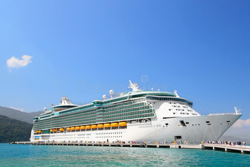 Download Cruise Ship editorial stock photo. Image of tourists - 30085653