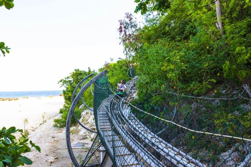 LABADEE HAITI - MAJ 01, 2018: Sommarbobspår på den Labadee ön på Haiti på den soliga dagen, royaltyfri fotografi