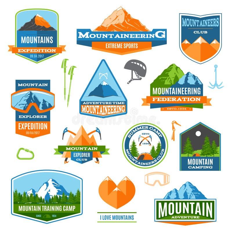 Labels et logos d'alpinisme illustration de vecteur