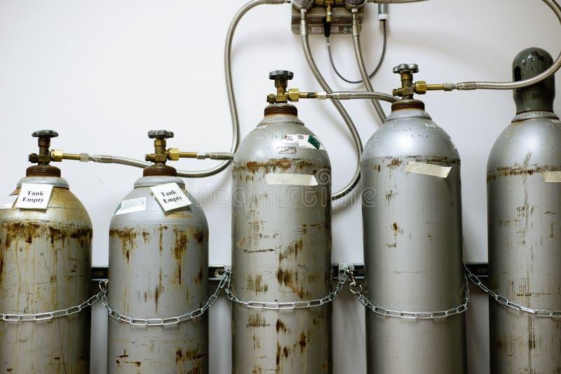 Laboranckiego dwutlenku węgla Benzynowi zbiorniki zdjęcie royalty free