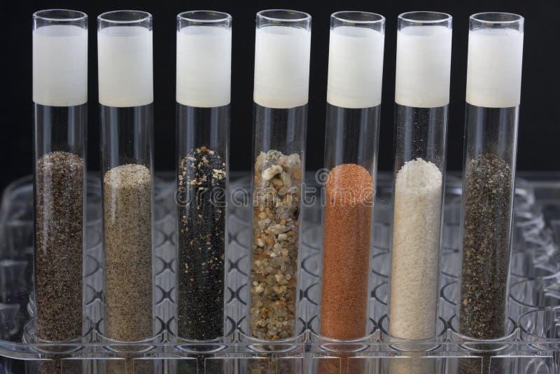 laboranckiego piaska probiercze tubki zdjęcie royalty free