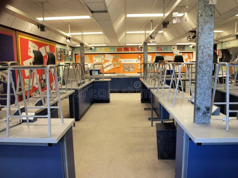 Laboratório de ciência da escola foto de stock royalty free