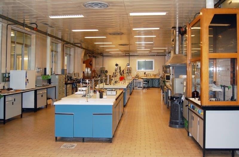Laboratório para testes químicos foto de stock