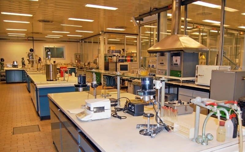 Laboratório para testes químicos imagem de stock royalty free