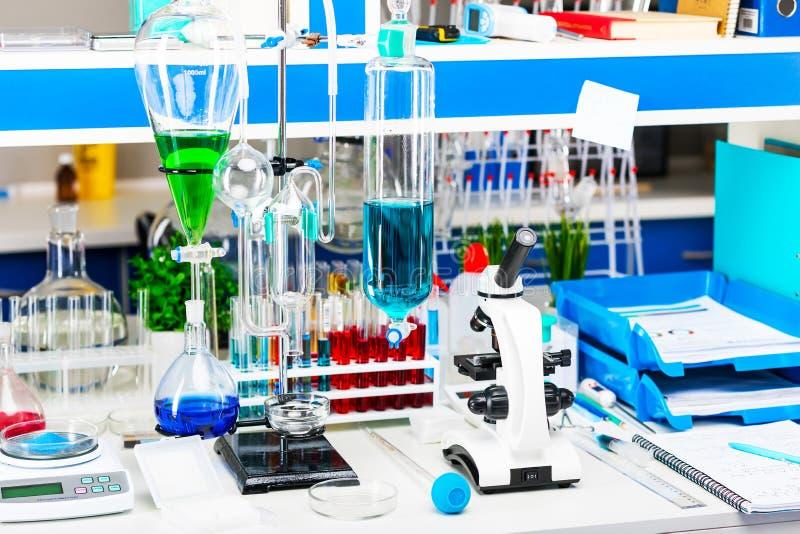 laboratoire chimique de matériel images libres de droits