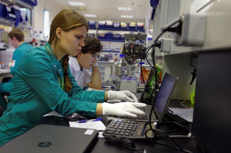 Laboratoire de recherche de la société de biotechnologie BIOCAD images libres de droits
