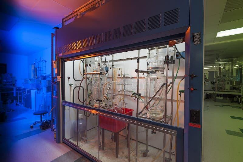 Laboratorio de la sustancia química de la investigación de la biología foto de archivo libre de regalías