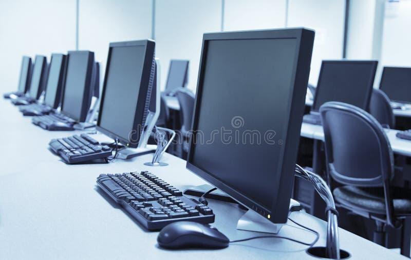 Laboratorio del ordenador imagenes de archivo
