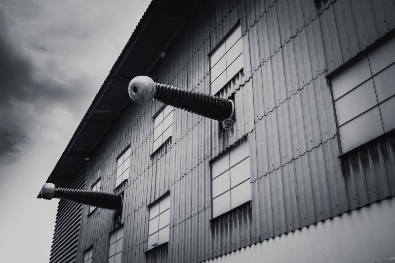 Laboratorio sperimentale di potere di orrore, fabbrica ad alta tensione del laboratorio di elettricità fotografia stock libera da diritti