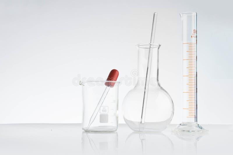 laboratorium och forskning med alternativa växtbaserade läkemedel fotografering för bildbyråer