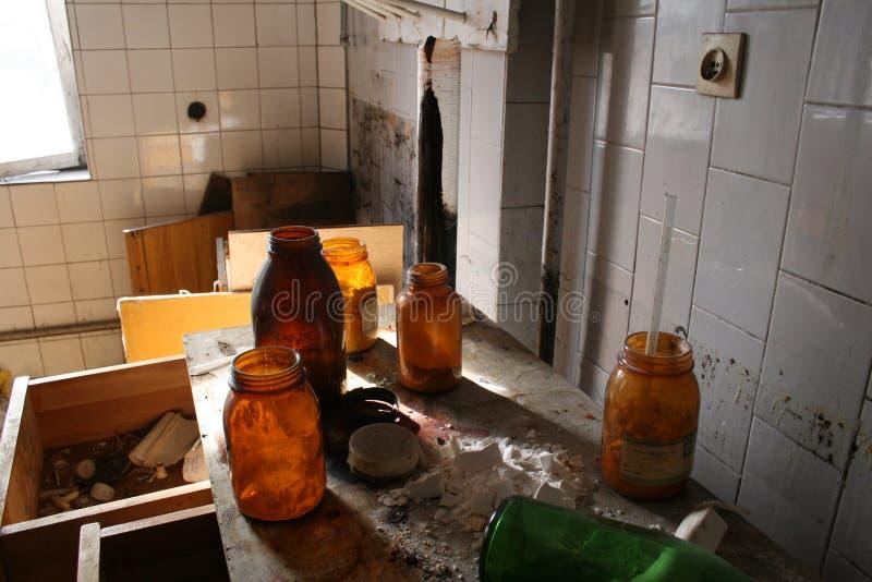 Laboratorium-verlaten fabriek stock foto's