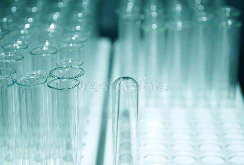 Laboratoriumglas, schone glasreageerbuizen royalty-vrije stock fotografie