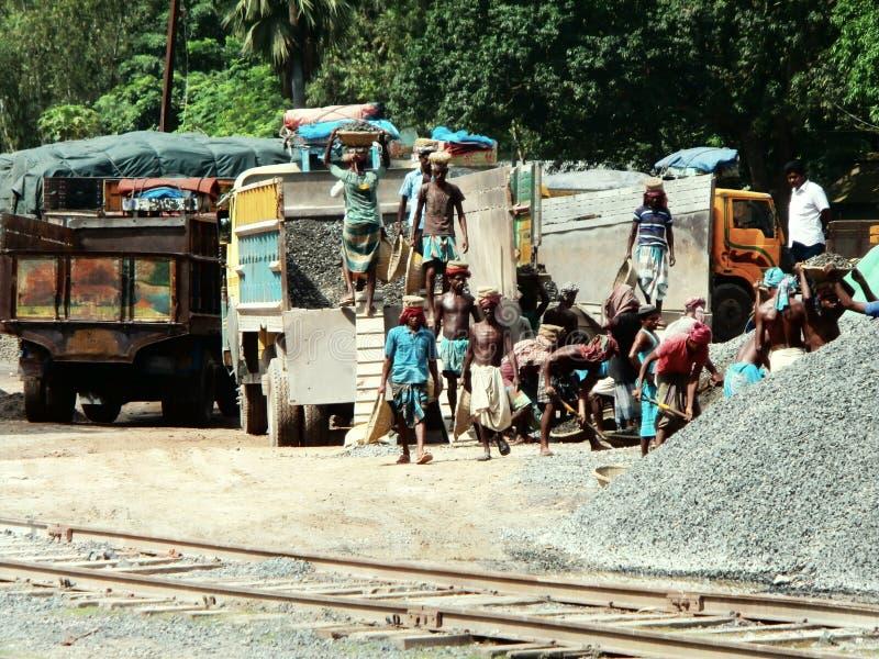 Laborour di giorno che lavora in Bangladesh immagine stock