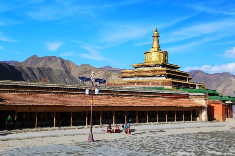 Labrang Lamasery del budismo tibetano en China imágenes de archivo libres de regalías