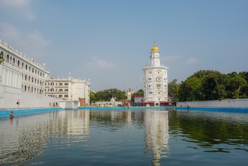 Lac ablution et temple sikh à Amritsar l'Inde photographie stock