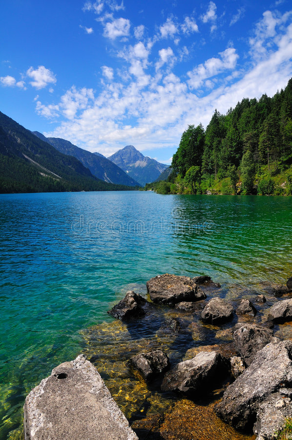 Lac alpestre dans le Tirol image libre de droits