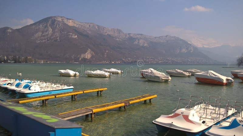 Lac Annecy - bateaux photographie stock