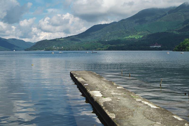 Lac Ashino à Hakone images libres de droits