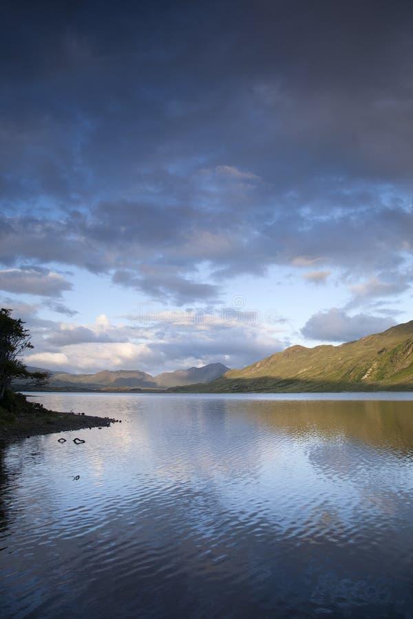 Lac au parc national de Connemara, comté Galway photos libres de droits