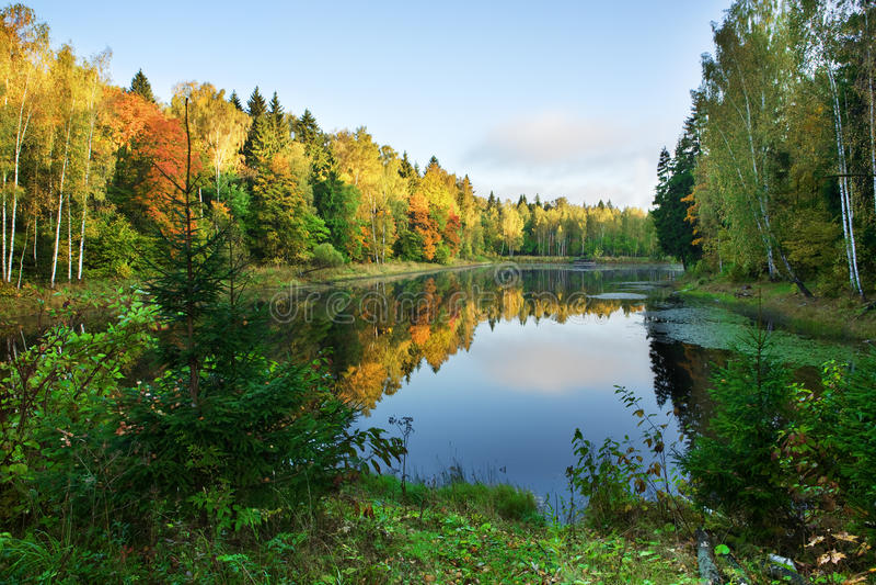 Lac autumn images libres de droits