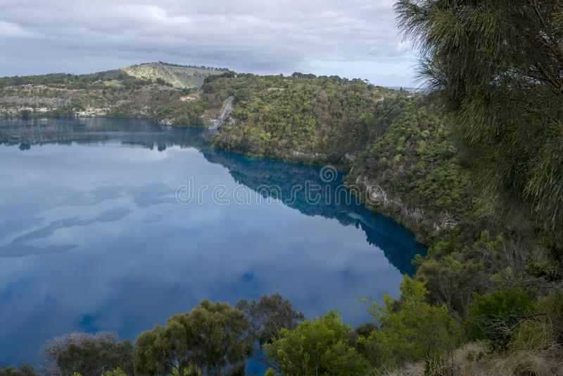 Lac bleu, b?ti Gambier, Australie du sud photos stock