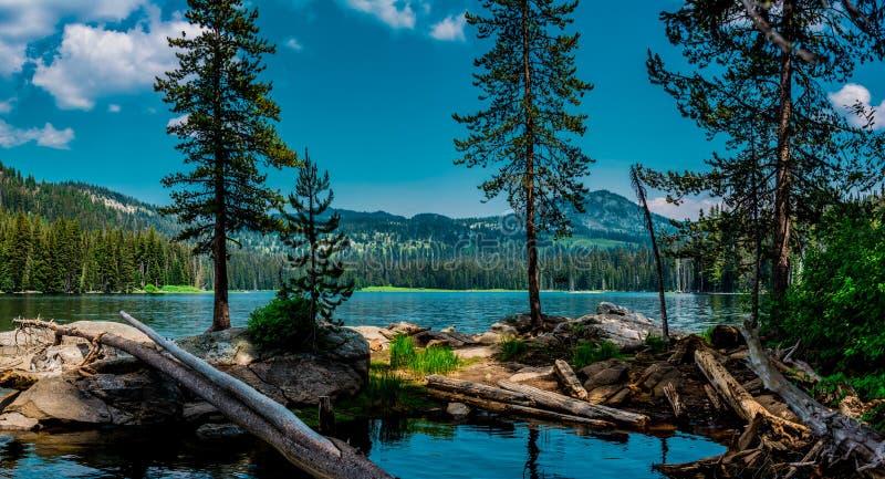Lac boulder image stock