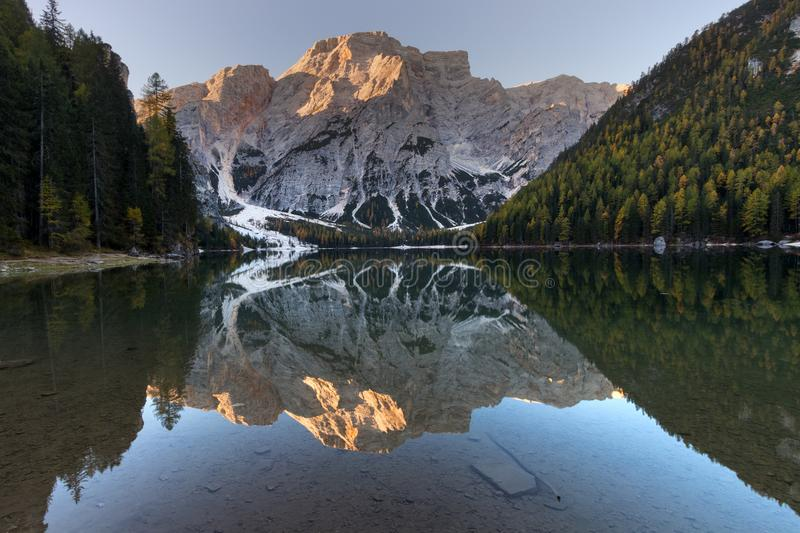 Lac Braies Lagodi Braies photographie stock