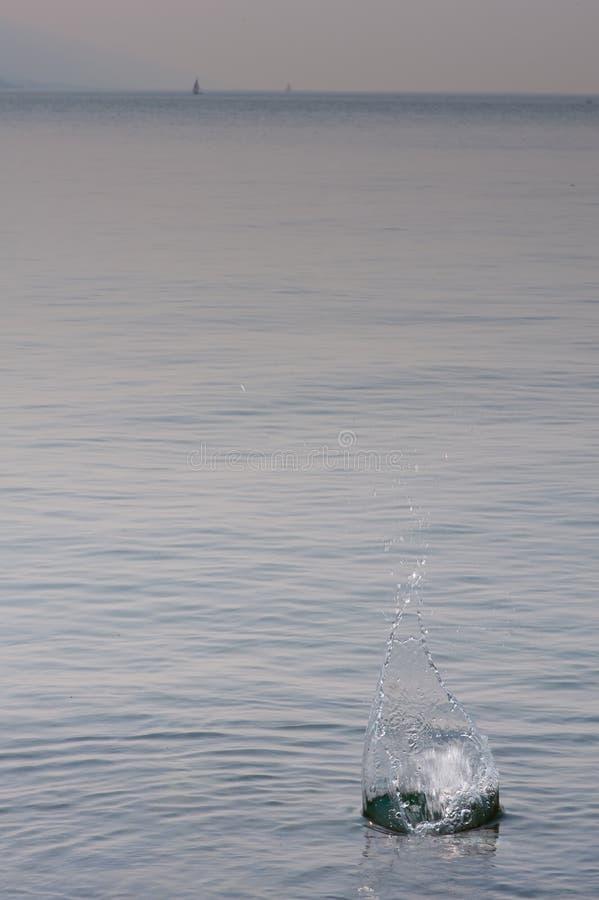 Lac brumeux image stock