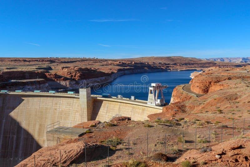 Lac célèbre Powell &#x28 ; Glenn Canyon &#x29 ; Barrage près de page, Arizona, Etats-Unis photo libre de droits